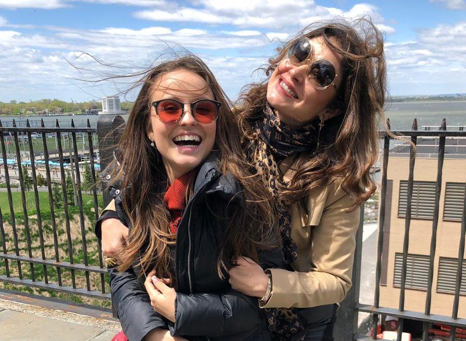 Larissa Manoela e Dra.Kátia Volpe